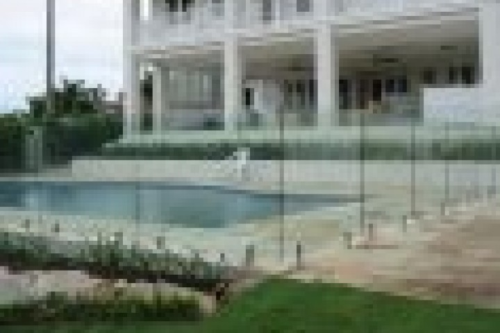 Rural Fencing Frameless glass 720 480